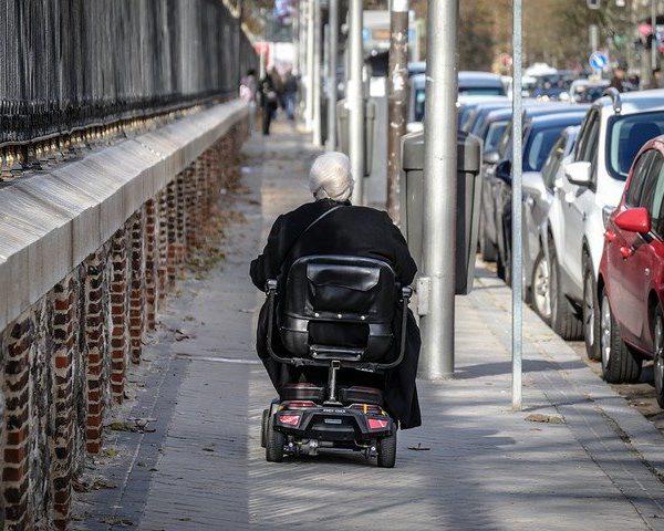 Kiedy osoba z ograniczeniami ruchu potrafi żyć sama?
