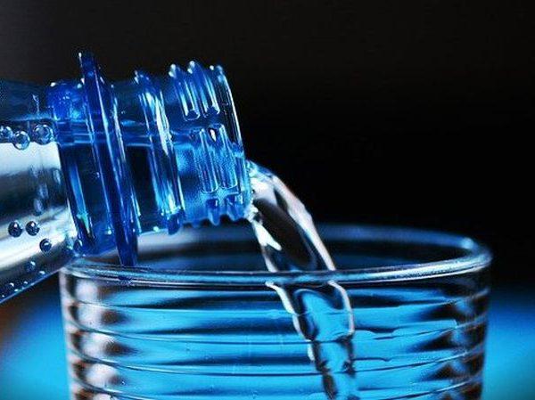 Woda wodorowa – czy naprawdę wspomaga zdrowie?